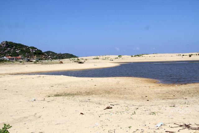 Sau 10 năm triển khai, dự án lọc dầu tỷ đô chỉ là mảnh đất đầy cát trắng
