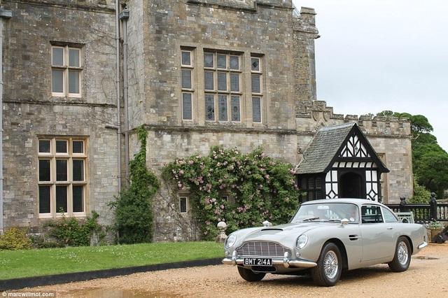 Khi được bán ra năm 2001, chiếc xe được trả mức giá 140.000 bảng. Giờ đây, mức giá ấy được kỳ vọng tăng lên hơn 11 lần.