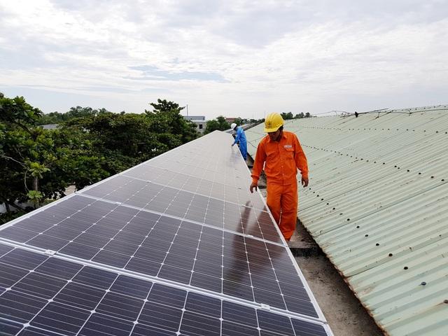 Hệ thống điện mặt trời trên mái trường THCS Lê Quý Đôn