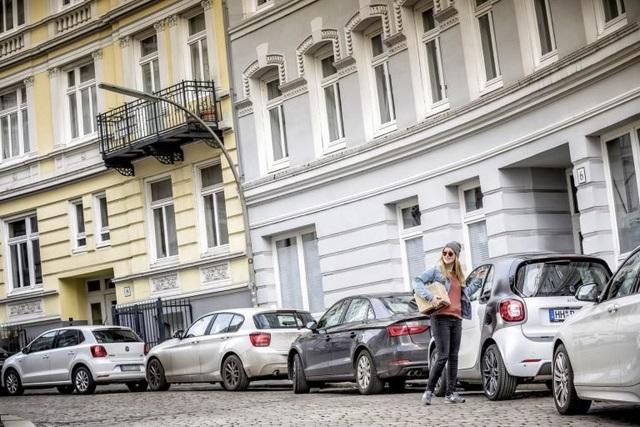 Thành phố lớn thứ hai nước Đức cấm xe động cơ diesel - 1