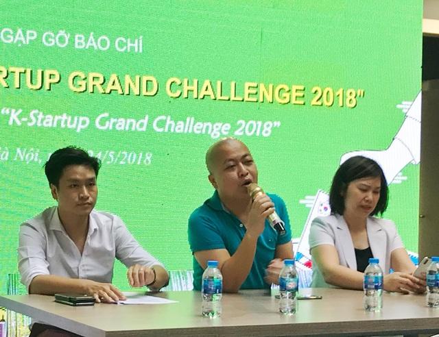 Ông Mai Duy Quang (giữa) cho biết giới đầu tư Hàn Quốc đang đổ xô vào thị trường startup Việt Nam trong vài năm trở lại đây.