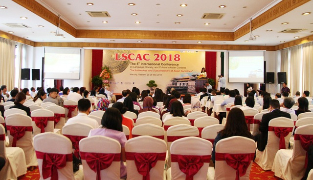 """Toàn cảnh Hội thảo quốc tế lần thứ 5 về Sự gắn kết và bền vững của các quốc gia châu Á với chủ đề """"Ngôn ngữ, Xã hội và Văn hóa trong bối cảnh Châu Á"""""""