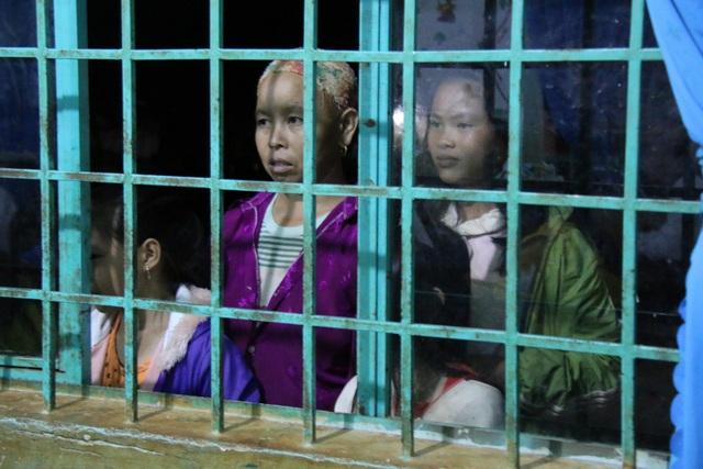 Hàng ngày, bà Ghến đều ra lớp học để xem các học viên khác