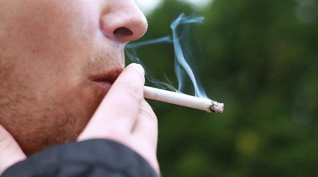 Hút thuốc có thể gây thương tổn cho cơ chân của bạn - 1