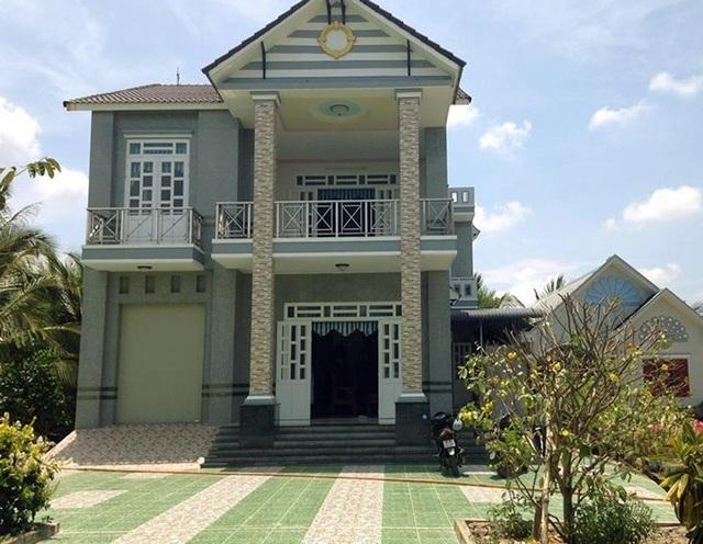 Ngôi nhà khang trang của ông Thắng. (Ảnh: NQ).