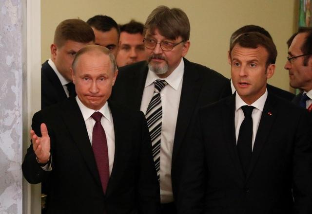 Tổng thống Macron cho biết Nga và Pháp có thể duy trì đối thoại và tìm ra giải pháp cho các vấn đề toàn cầu như tình hình ở Ukraine, Trung Đông, Iran và Syria.