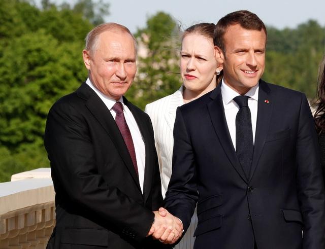 Chuyến thăm của Tổng thống Pháp tới Nga diễn ra chỉ vài ngày sau chuyến thăm của Thủ tướng Đức, cho thấy mối quan hệ gắn kết giữa Nga và các nước châu Âu trong bối cảnh hiện nay.