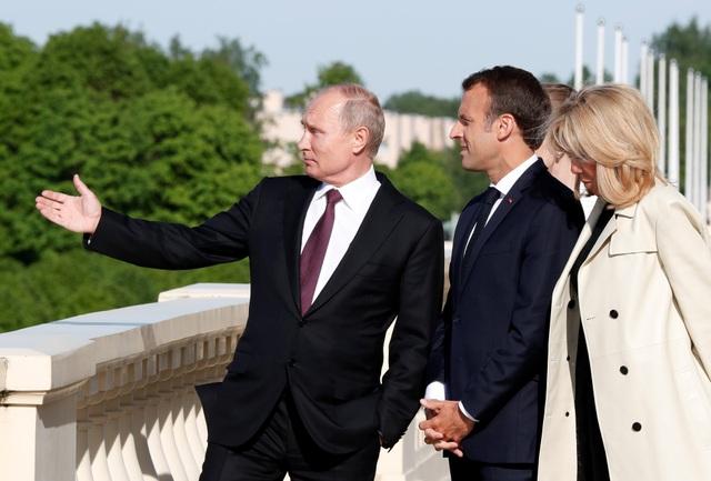Hai nhà lãnh đạo cũng thảo luận về thỏa thuận hạt nhân Iran sau khi Tổng thống Mỹ Donald Trump quyết định đơn phương rút khỏi thỏa thuận này, bất chấp sự phản đối của cộng đồng quốc tế. Cả Nga và châu Âu đều mong muốn tăng cường hợp tác để cứu vãn thỏa thuận hạt nhân Iran.