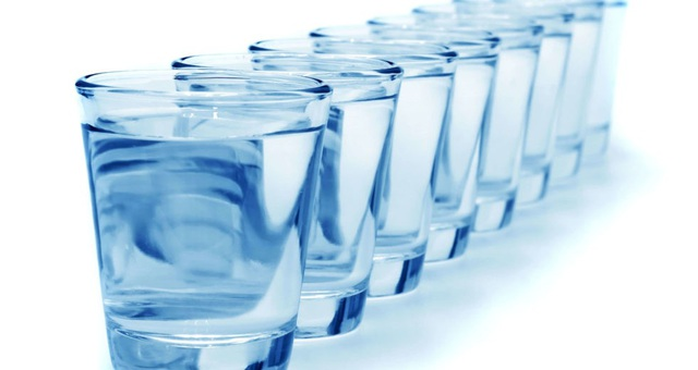 Uống nhiều nước: Tạo phong độ đỉnh cao hay gây phù não? - 3