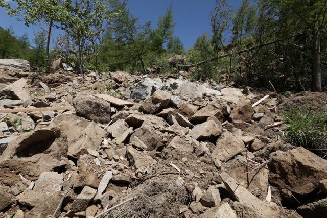 Đống đổ nát tại nơi từng là đường hầm số 2 tại Punggye-ri. (Ảnh: Reuters)