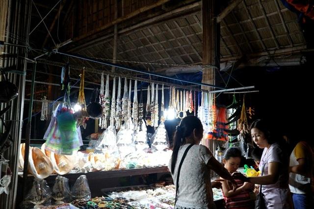  Trong 9 năm qua, Cù Lao Chàm đang dần khẳng định vị thế tốt đẹp của mình trong lòng du khách trong và ngoài nước