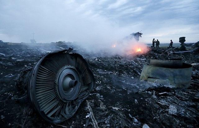 Hiện trường vụ rơi máy bay MH17 năm 2014 (Ảnh: TASS)