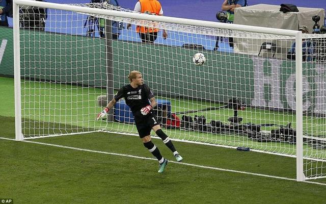 Real Madrid có được bàn thắng nâng tỷ số lên 3-1 nhờ sự giúp sức của Karius