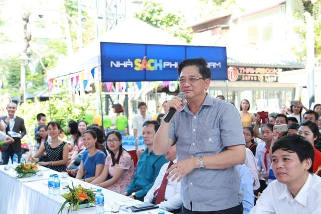 Ông Phạm Xuân Tiến - Phó Giám đốc Sở Giáo dục và Đào tạo phát biểu tại lễ trao giải.