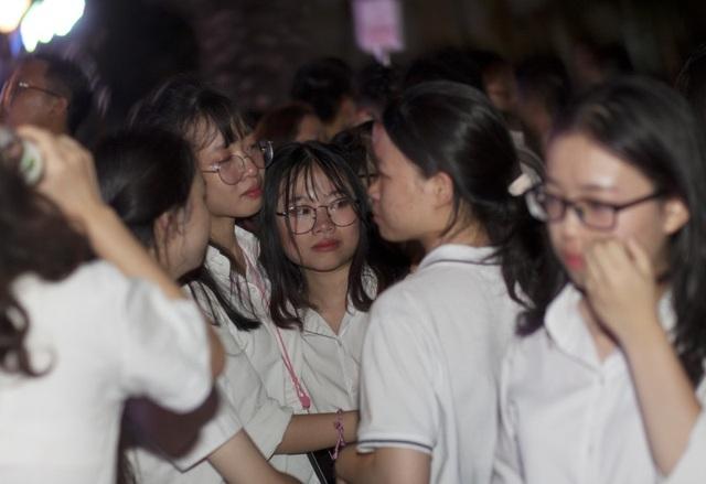 Những giọt nước mắt bịn rịn của teen Yên Hòa trong lễ tri ân - 9