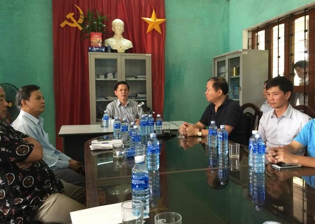 Bộ trưởng Bộ GTVT làm việc với lãnh đạo ngành đường sắt sau khi đi thị sát ga Núi Thành