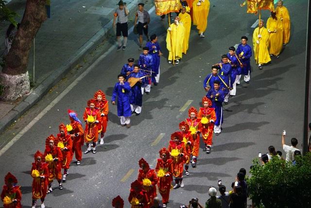 Muôn màu sắc của các trang phục Phật giáo và Cung đình Huế
