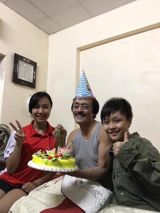 Khoảnh khắc đời thường của nghệ sĩ Giang còi và hai con.