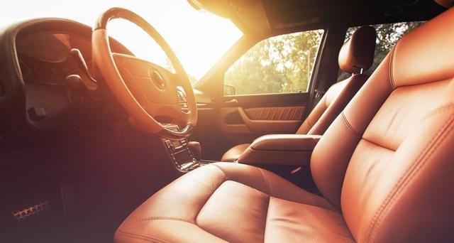 Cả trong bóng râm, nội thất xe hơi có thể trở nên nóng chết người - 1