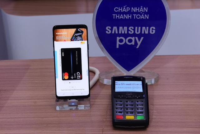 Tính đến nay , đã có 15 ngân hàng và 3 Tổ chức chuyển mạch thẻ tham gia vào mạng lưới thanh toán di động Samsung Pay, chiếm 75% thị trường thẻ thanh toán nội địa