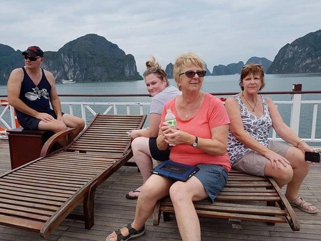 Sau khi du khách người Australia có phản ánh về những về việc đơn vị tổ chức du lịch không cung cấp dịch vụ như quảng cáo, Tổng cục Du lịch Việt Nam đã có lời xin lỗi trực tiếp.