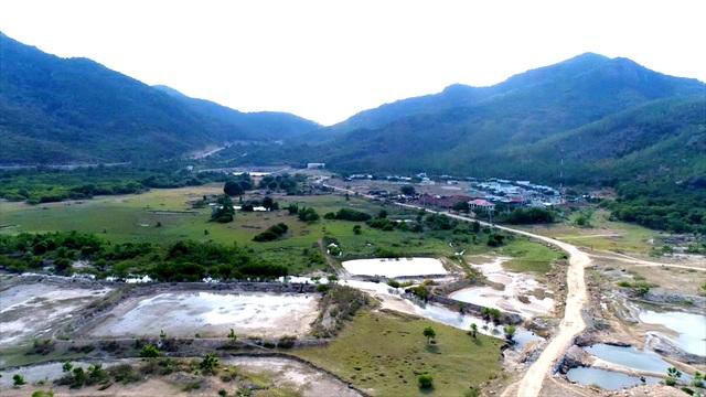 190 ha đất sản xuất, kinh doanh của người dân nơi đây giở thành đất hoang, dự án KDL Bình Tiên hoành tráng vẫn chỉ nằm trên giấy.