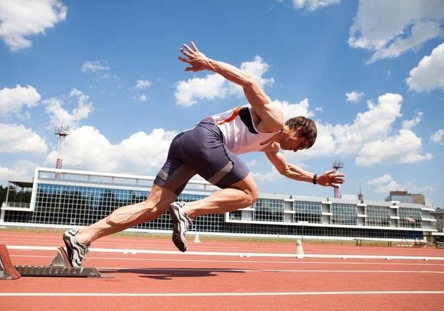 Khối cơ sẽ được duy trì, hạn chế tình trạng suy giảm nhờ vận động và dinh dưỡng hợp lý (ảnh minh họa)