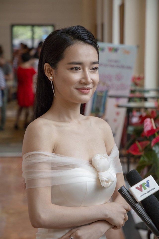 Nhã Phương trong buổi ra mắt phim mới đây tại Hà Nội.