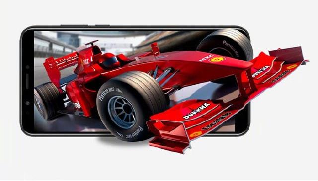 Những bạn trẻ yêu thích xem phim, chơi game trên smartphone sẽ không thể cưỡng lại màn hình FullView cực nét của Honor 7C