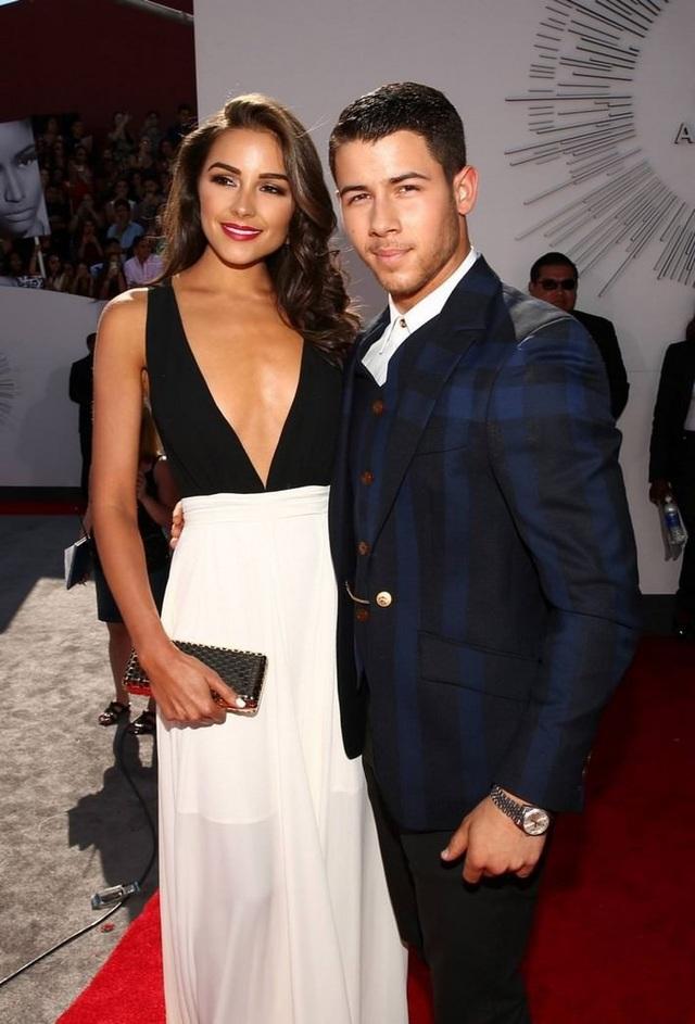 Ca sỹ Nick Jonas thì từng hẹn hò với hoa hậu hoàn vũ Olivia Culpo trong quá khứ.