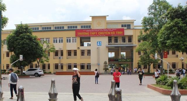 Số thí sinh dự thi vào trường THPT Chuyên Hà Tĩnh tăng 200 thí sinh