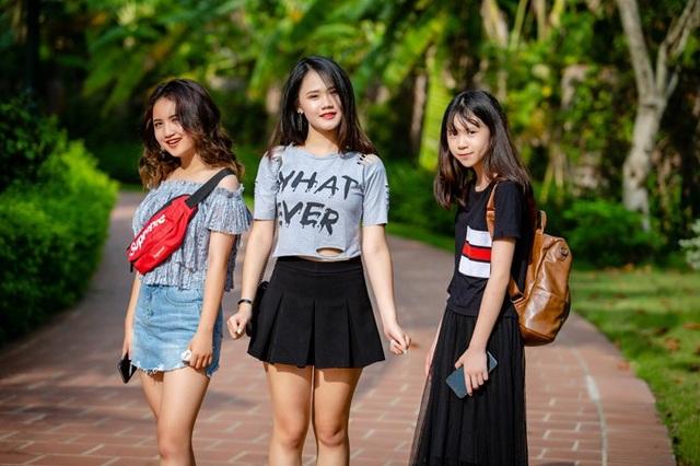 Ít ai ngờ nam ca sĩ có 3 cô con gái lớn vào tuổi dậy thì xinh đẹp, duyên dáng thế này.