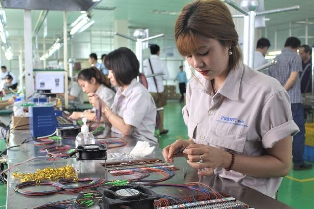 Chương trình tư vấn hỗ trợ DN Việt là sự khẳng định cam kết, nỗ lực của Samsung trong việc gia tăng tỷ lệ nội địa hóa và sự hiện diện của DN Việt trong chuỗi cung ứng phụ kiện cho Samsung. (Ảnh: Hồng Vân)
