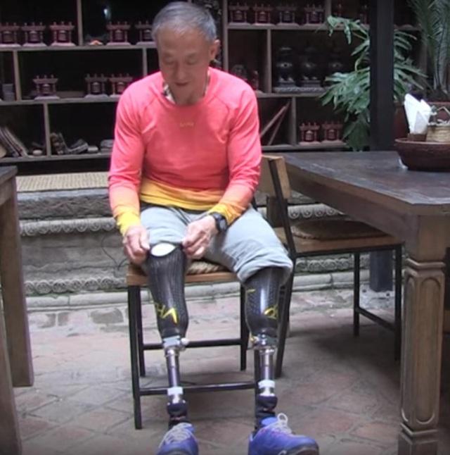 Dù mất cả hai chân nhưng ông Boyu chưa bao giờ từ bỏ giấc mơ của mình