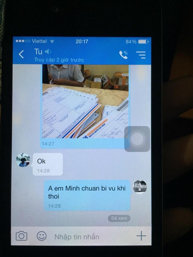 Tin nhắn được cho là của ông Hoàng Văn Tự trao đổi với đối tượng Trần Quang Tiến (trước khi Tiến vác dao chém ông Lê Văn Chính)