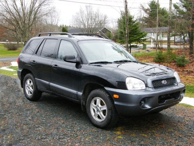 Hyundai Santafe đời 2003 đang được rao bán với giá từ 218 – 315 triệu đồng