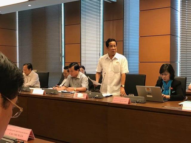 Đại biểu Đặng Thuần Phong tán thành việc mở rộng phạm vi điều chỉnh của luật ra ngoài khu vực công