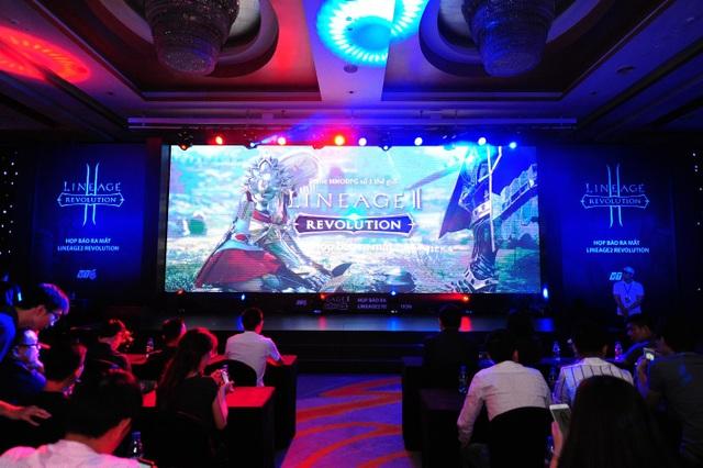 Sân khấu sự kiện ra mắt game Lineage 2: Revolution