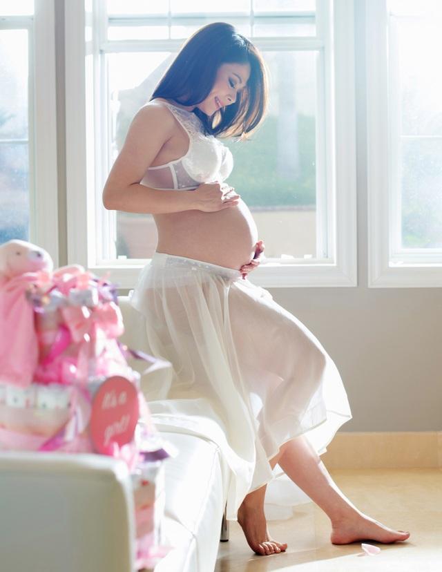 Thanh Thảo cho biết, cô không sợ Jacky ghen tị khi có em bé, bởi vì cô đã sớm báo tin cho con biết là con sắp có em, tập cho con biết thương yêu em từ khi em chưa chào đời.