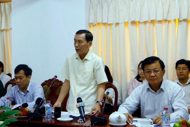 Ông Võ Thành Thống - Chủ tịch UBND TP Cần Thơ phát biểu chỉ đạo tại cuộc họp