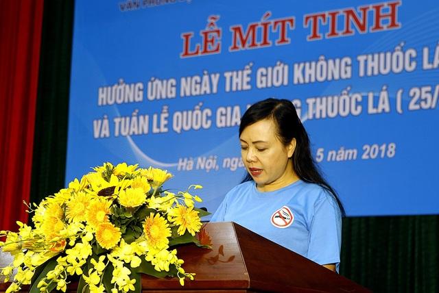 Bộ trưởng Bộ Y tế kêu gọi người dân từ bỏ thuốc lá để bảo vệ sức khỏe. Ảnh: Dương Ngọc.