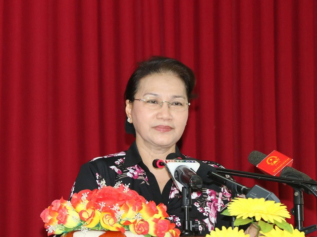 Chủ tịch QH trả lời các thắc mắc của cử tri huyện Phong Điền