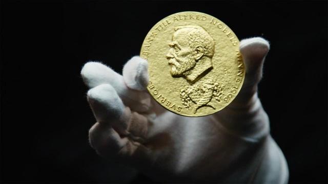 Kỷ niệm chương bằng vàng dành cho những người thắng giải Nobel