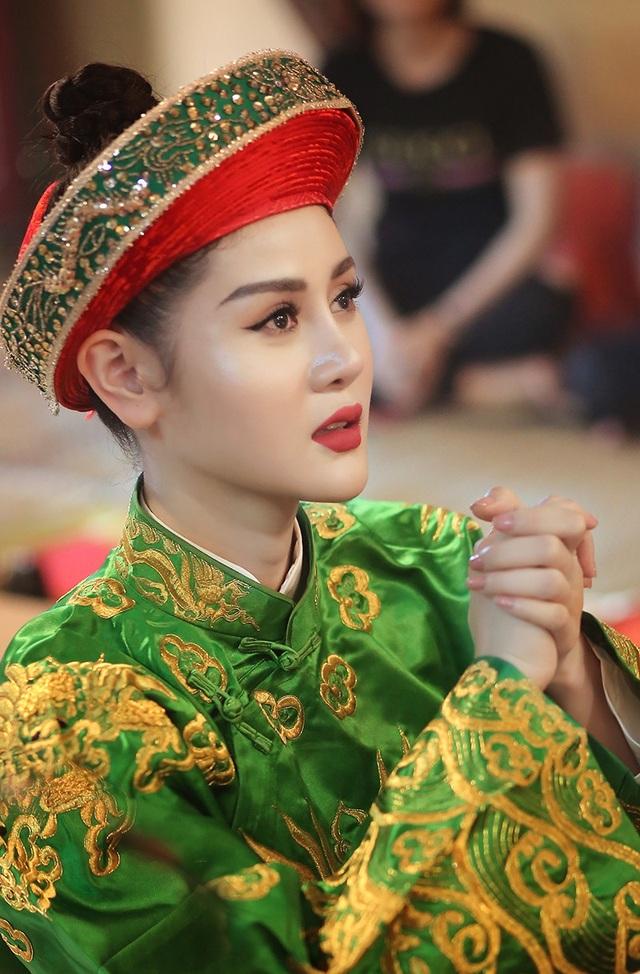 Triệu Hà Vy sinh năm 1992, là Á khôi thời trang năm 2017.