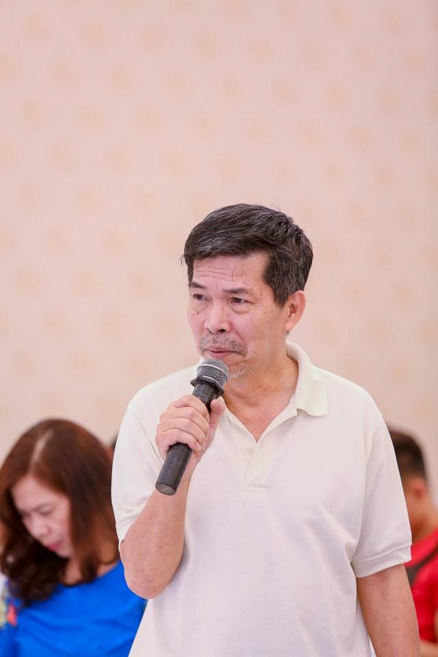 Nhà biên kịch Lê Quý Hiền chia sẻ về chuyện chạy huy chương tại Liên hoan Kịch nói toàn quốc 2018.