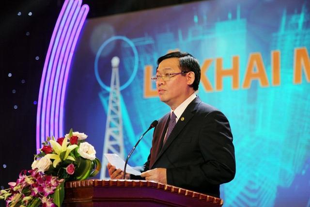 Phó Thủ tướng Vương Đình Huệ phát biểu: Tiếng nói Việt Nam xa muôn trùng vẫn thầm thì bên tai, rút lại cách ngăn, đẩy lùi bóng tối thắp niềm tin cháy sáng giữa tim người.