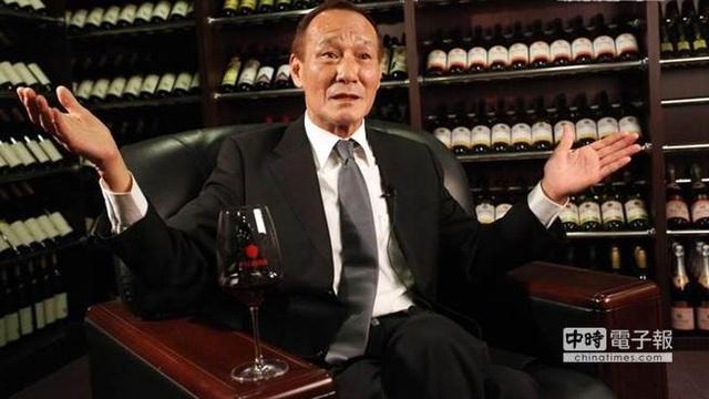 Ông là minh chứng hùng hồn cho thời đại chính - tà lưỡng lập của điện ảnh Hong Kong