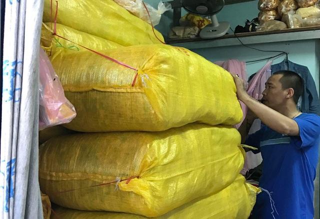 Cơ quan chức năng phát hiện hơn 3,7 tấn chà bông gà (khô gà) không rõ xuất xứ tại cơ sở ở phường Hòa Minh, quận Liên Chiểu, Đà Nẵng