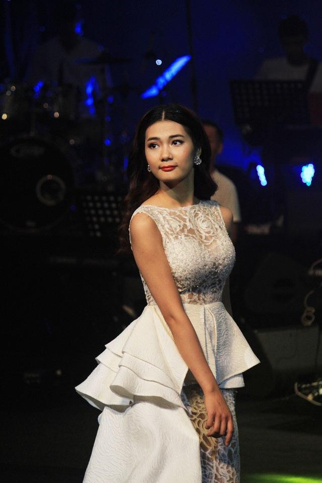 Phần thể hiện nhạc cụ dân tộc độc đáo đã giúp Mai Huyền Trang giành giải phụ Tài năng bạc