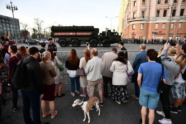 Hệ thống phòng thủ tên lửa tầm xa S-400 Triumf tối tân của Nga sẽ tham gia lễ duyệt binh tại Quảng trường Đỏ năm nay.